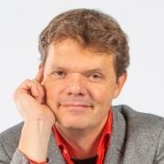 Raymond van Driel ondersteunt met leiderschapsontwikkeling, teamontwikkeling en executive coaching